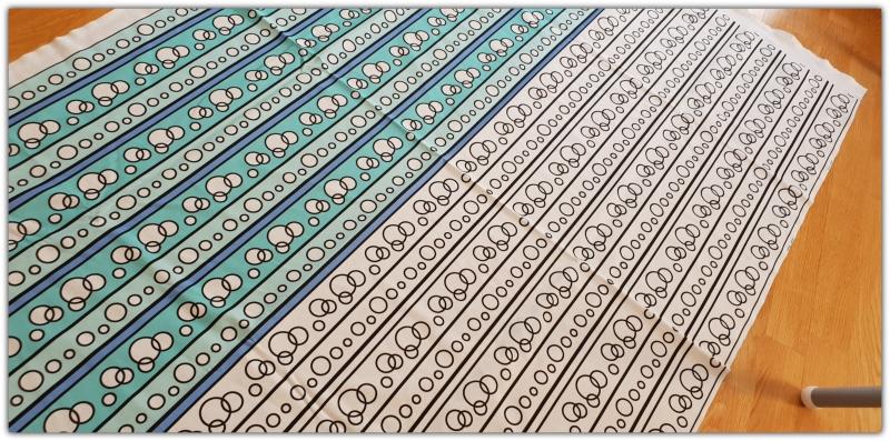 fabric_w_circles